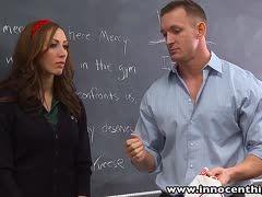 Brillenschlange lässt sich vom Nachhilfe Lehrer durch ficken
