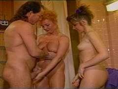 Geschichten oma enkel fickt Porno Sex