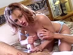 Amia miley massage