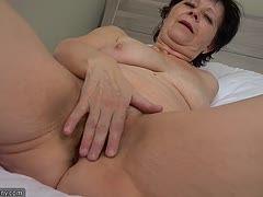 Alte und junge Lesben Pornos Oma nehmen Sie großen Schwanz